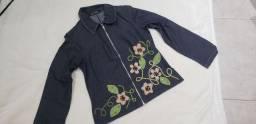Jaqueta jeans com pedras bordadas