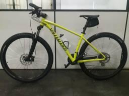 Bicicleta Specialized 29 nova