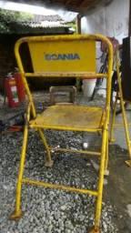 Cadeiras de lata
