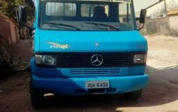 Caminhão Mercedes Benz 710 Azul - 2004