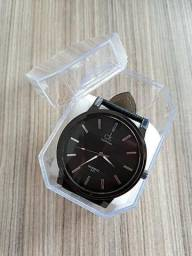 Relógio Masculino (Produto Novo) Preto/Marrom + 3 Pilhas