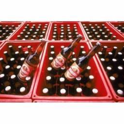Caixa vasilhame de cerveja e garrafas