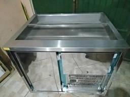 Refrigerador com pista fria
