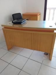 Móveis para escritório em Madeira maciça
