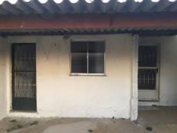 Casa 02 quartos em Raul Veiga