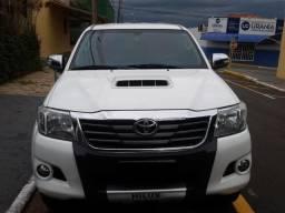 Toyota Hilux SRV - 2015