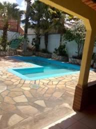 Casa de 03 quartos e linda piscina