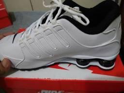 Nike Shox NZ 42 Branco/Preto