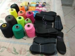 Solados perfurados e linhas de crochê