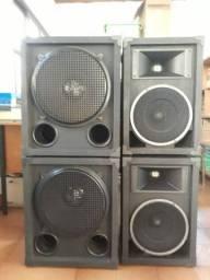 Equipamento de som completo profissional.