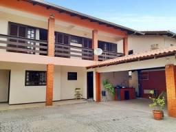 Casa à venda com 4 dormitórios em Bucarein, Joinville cod:10396