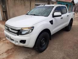 Ranger super conservada 2.2 diesel - 2015