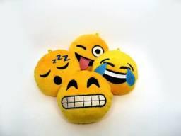 Chaveiro emoji de pelúcia