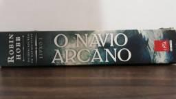 Livro: O Navio Arcano- mercadores de navios vivos. Livro 1