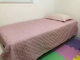 Título do anúncio: Cama de solteiro com cama auxiliar e um amplo baú. Excelente estado!