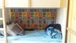 Título do anúncio: Vende se  cama treliche  sob medida bem conservada
