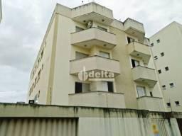 Apartamento com 2 dormitórios para alugar, 60 m² por R$ 1.000,00/ano - Jardim Finotti - Ub