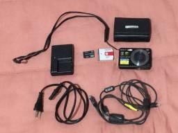Câmera digital Sony Cyber-Shot e cartão de memória 2 GB