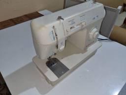 Título do anúncio: Máquina de costura 590