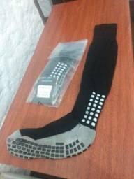 Título do anúncio: Meia Pro Socks preta antiderrapantes