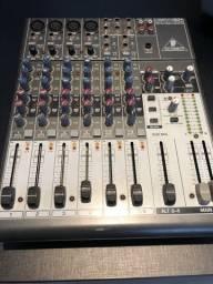 Mesa de som Behringer Xenyx 1204