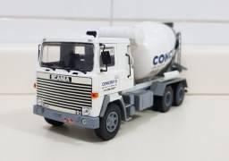 Revista Altaya c/ Miniatura caminhão Scania Lks-140 Betoneira