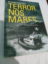 Livro Os Piratas do Século 21 TERROR NOS MARES