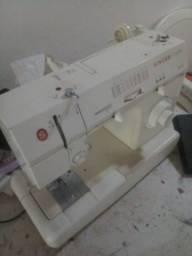 Título do anúncio: Geladeira e máquina de costura