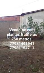 Título do anúncio: Vende-se uma casa encostado à Urbis 05.