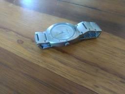 Relógio cor prata