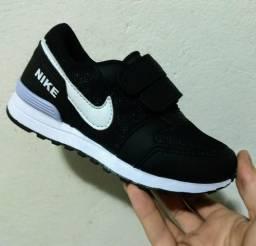 Tênis Infantil Nike Preto/Branco