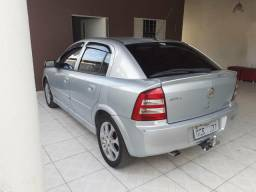 Vendo carro hatch - 2011