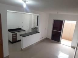 Apartamento Térreo 2 qts com suíte e área privativa