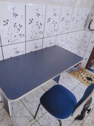 Mesa e cadeira Ariquemes