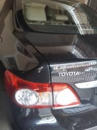 Vendo Corolla Altis preto - 2011