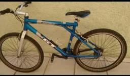 Bicicleta cambio shimano pneus novos cor azul marca gt