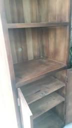 Estante em madeira de demolição