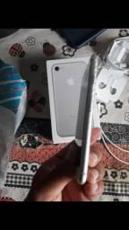 Vendo iPhone 7 novinho
