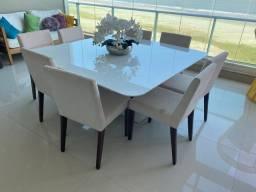 Mesa com 8 cadeiras