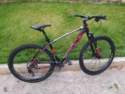 Bicicleta MTB 29 muito nova