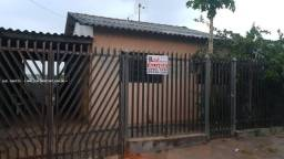 Casa para Locação em Presidente Prudente, MARISA, 3 dormitórios, 1 banheiro, 2 vagas