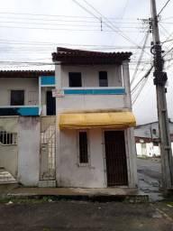 2 casas no Conj Feira VI, próximo a UEFS, 3/4, sala