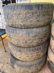 R$ 500 Jogo com 4 pneus R17 265/65 para caminhonete Hilux ou outras