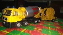 Miniatura caminhão Man bi truck