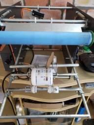 Rotuladora para produtos cilíndricos
