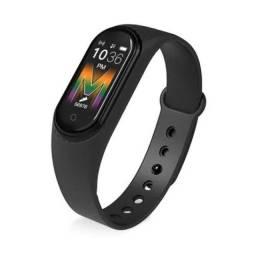 Smart watch M5 atende chamadas, toca música. Promoção