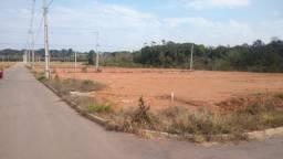 Terrenos em Fazenda Rio Grande,Bairro Estados, esquina , entrada R$4.200,00.
