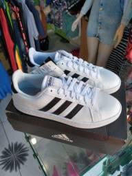 Tênis Adidas original novo