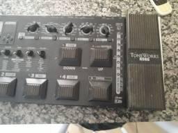 Vendo pedaleira para guitarra korg ax3000g,