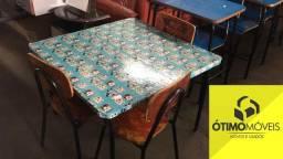 Mesinha infantil com cadeiras R$:120,00